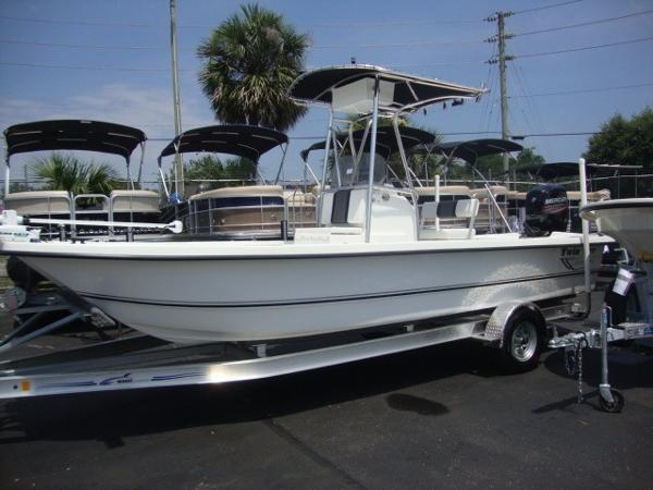 New Twin Vee Bay Cat Center Console Fishing Boat For Sale