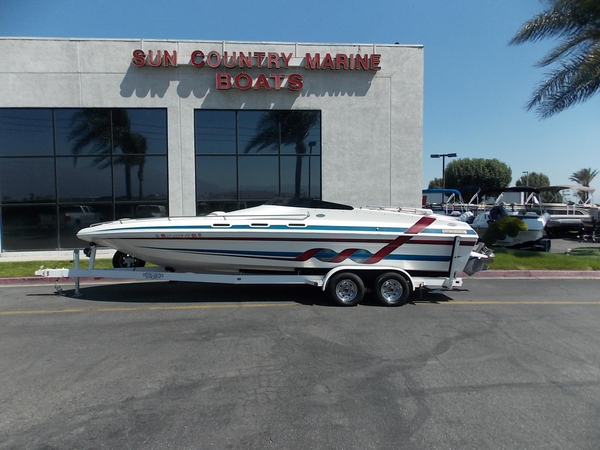 Used Commander 2600 LX High Performance Boat For Sale