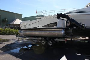Used Larson Escape RT 2000 Cruise Pontoon Boat For Sale