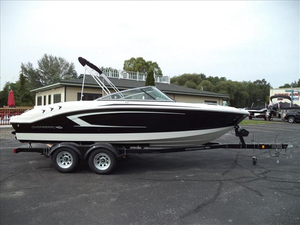 Used Chaparral 21 H2O Sport Ski and Wakeboard Boat For Sale