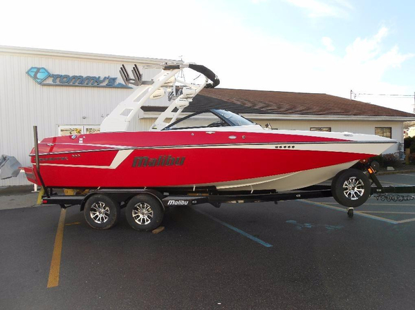 New Malibu Wakesetter 22 MXZ Ski and Wakeboard Boat For Sale