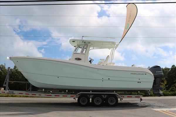 New World Cat 295 CC Power Catamaran Boat For Sale