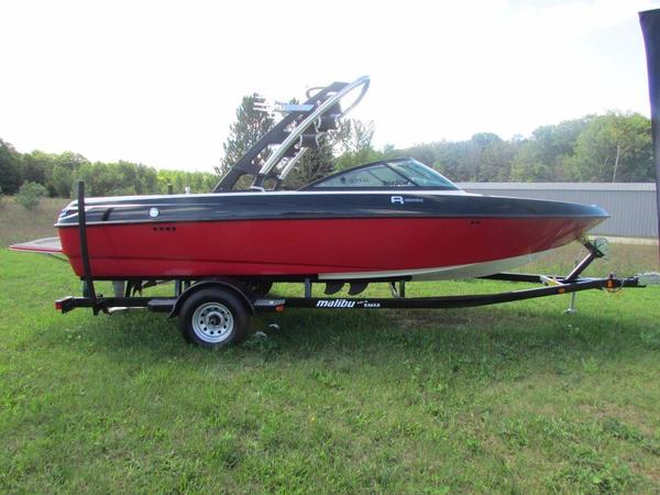 Used Malibu vRide Ski and Wakeboard Boat For Sale