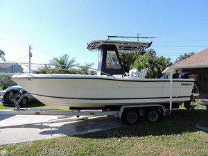 Used Pursuit 2450 Center Console Fishing Boat For Sale