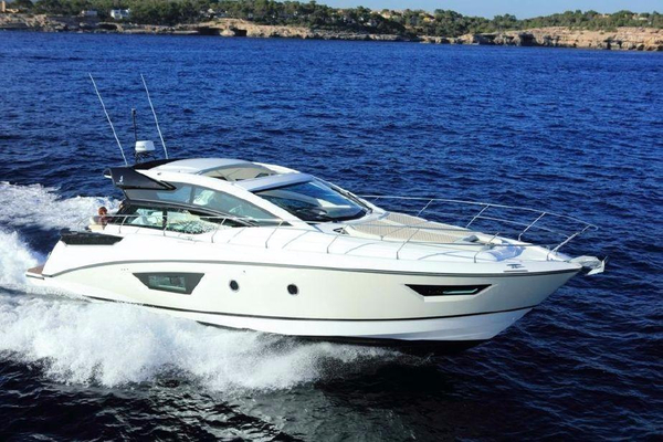 New Beneteau Gran Turismo 46 Express Cruiser Boat For Sale