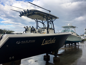 Used Sailfish Center Console 270 CC Sports Fishing Boat For Sale