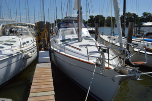 Used Beneteau Oceanis Clipper 42 CC Center Cockpit Sailboat For Sale