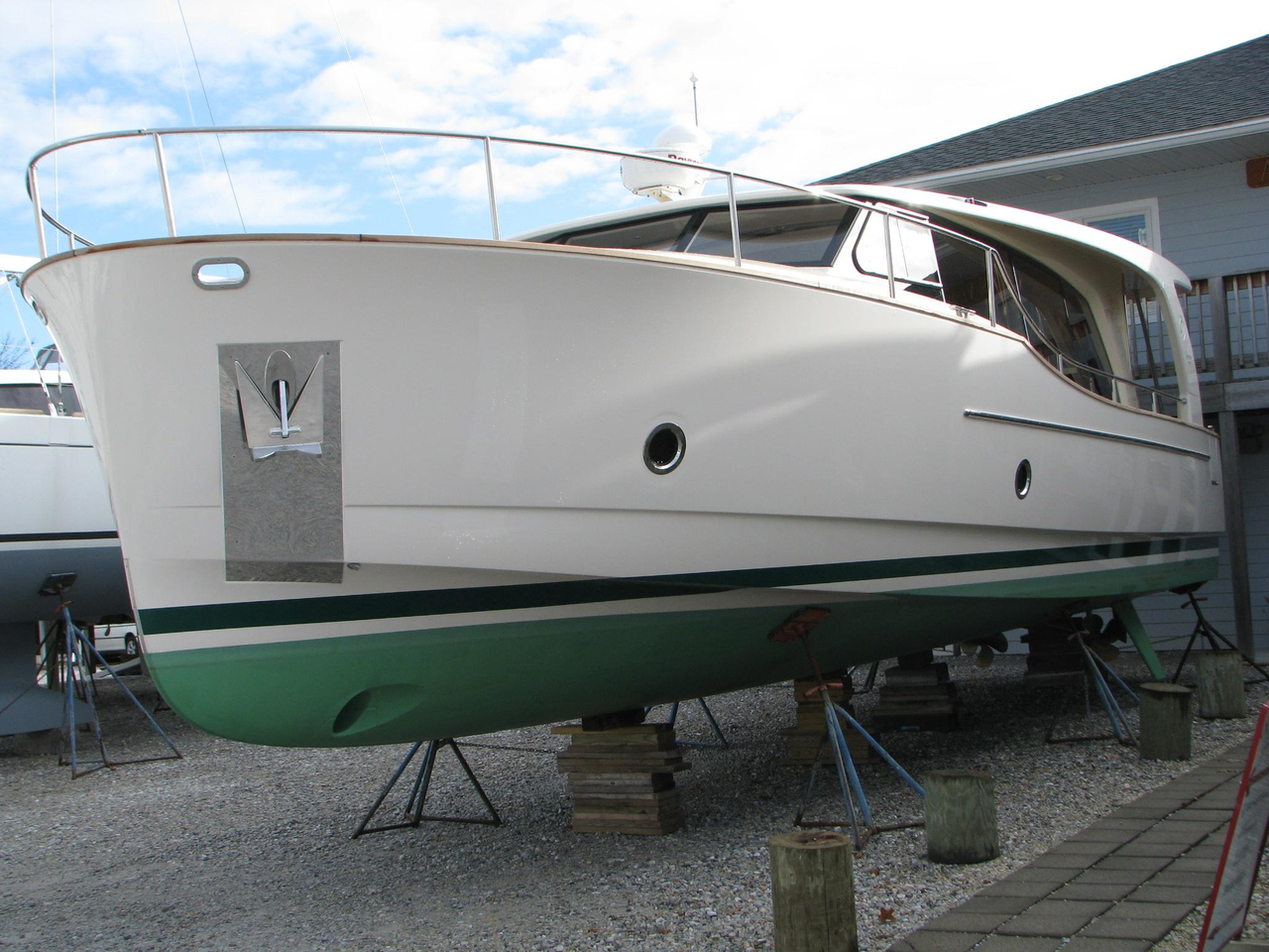 2012 used greenline 40 diesel hybrid cruiser boat for sale for Outboard motors for sale maryland