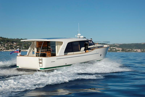Used Greenline 40 Diesel Hybrid Cruiser Boat For Sale
