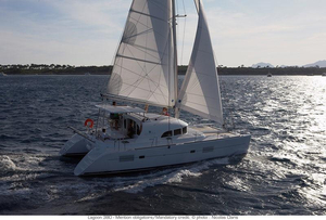 New Lagoon 380 Catamaran Sailboat For Sale