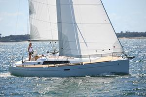 New Beneteau Oceanis 37 Platinum Racer and Cruiser Sailboat For Sale
