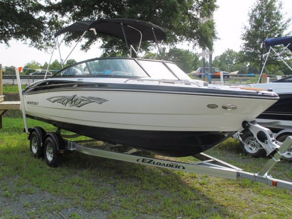 New Monterey 217 Blackfin Bowrider Boat For Sale