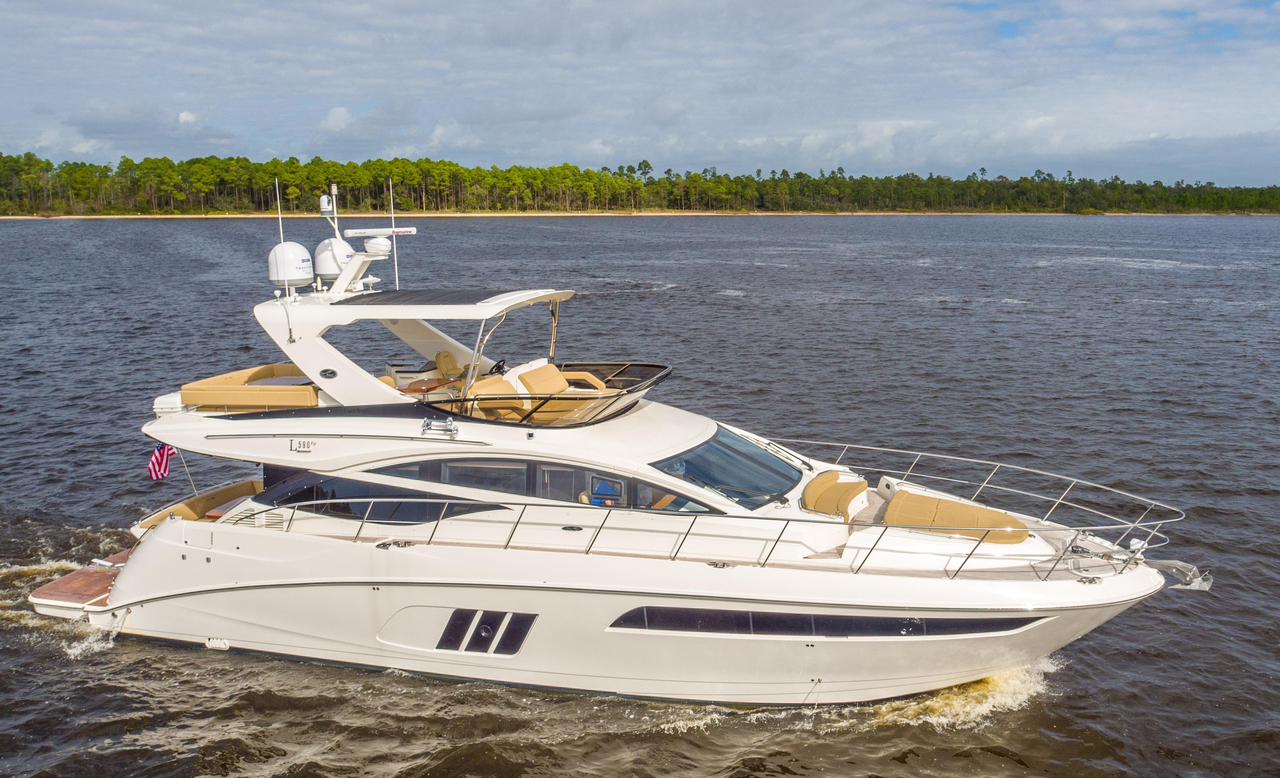 2016 used sea ray l590 fly motor yacht for sale for Sea ray motor yacht for sale