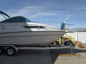 Used Chaparral Signature 24 Express Cruiser Boat For Sale