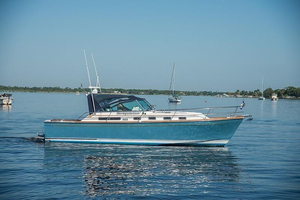 Used Sabre Express Cabin Cruiser Boat For Sale