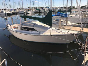 Used Mark 25 Fractional Rig Sloop & Trailer Racer and Cruiser Sailboat For Sale