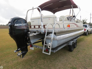 Used Sun Tracker Party Barge 24 Signature Series Pontoon Boat For Sale