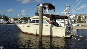 Used Sea Ray Sedan Bridge SRV300 Express Cruiser Boat For Sale