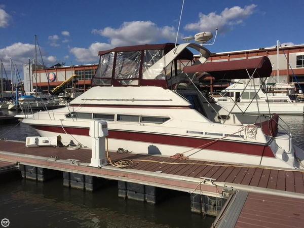 Used Carver 3467 Santego Cruiser Boat For Sale
