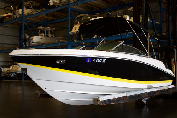 Used Regal 2200 Bowrider Runabout Boat For Sale