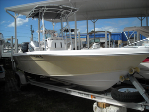Used Sea Chaser 225 LX Bay Runner Center Console Fishing Boat For Sale