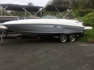 New Sea Ray SDX 240 Deck Boat For Sale