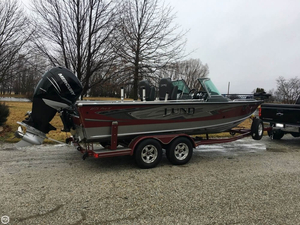 Used Lund 2175 Pro-V IFS Bass Boat For Sale