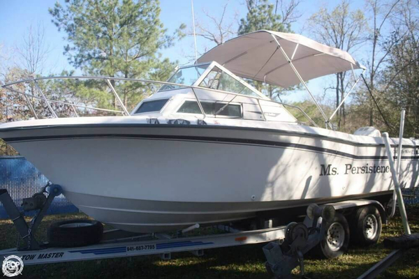 Used Grady-White 226 Seafarer Walkaround Fishing Boat For Sale