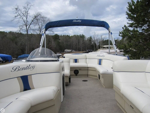 Used Bentley 240 Cruise Encore Pontoon Boat For Sale