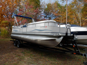 Used Bentley 240 Cruise Pontoon Boat For Sale