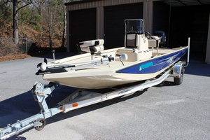 Used Lowe 20 Bay Boat For Sale