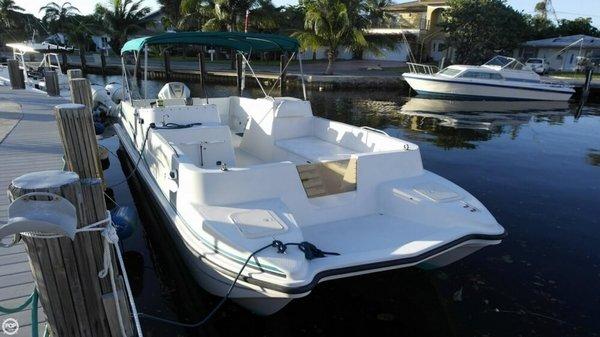Used Regal Leisure Cat 26 Power Catamaran Boat For Sale
