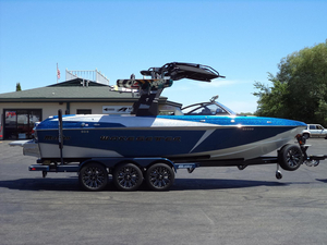Used Malibu Boats Llc 25 LSV Ski and Wakeboard Boat For Sale