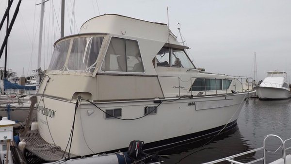 Used Chris-Craft 45 Commander MY Motor Yacht For Sale