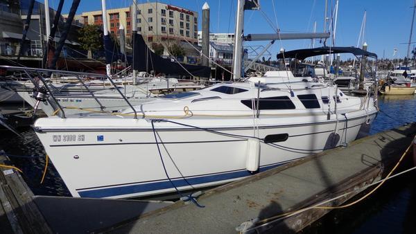 Used Hunter 326 Sloop Sailboat For Sale