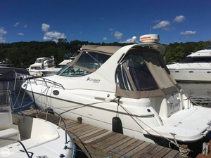 Used Cruisers Yachts 3070 Rogue Express Cruiser Boat For Sale