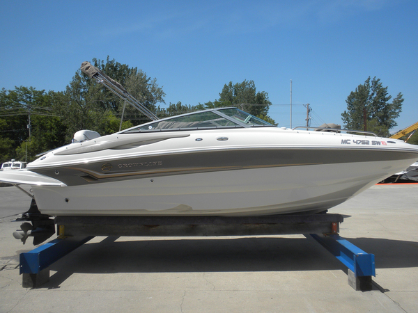 Used Crownline 220 EX Bowrider Boat For Sale