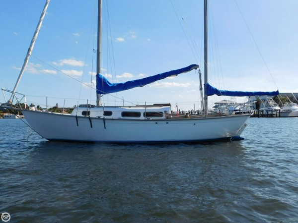 Used Allied 30 Racer and Cruiser Sailboat For Sale