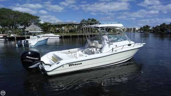 Used Triton 2486 Walkaround Fishing Boat For Sale