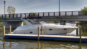Used Regal Commodore 3260 Cruiser Boat For Sale