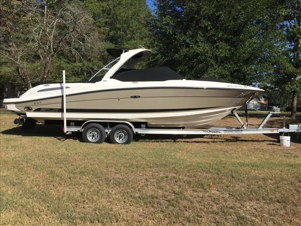 Used Sea Ray 270 Select EX Ski and Wakeboard Boat For Sale