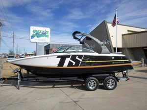New Four Winns TS222 Ski and Wakeboard Boat For Sale