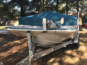 Used Hurricane 230 Fun Deck Boat For Sale