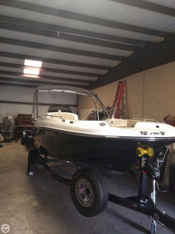 Used Stingray 192SC Deck Boat For Sale
