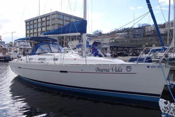 Used Beneteau 35.2 / Beneteau 343 Cruiser Sailboat For Sale