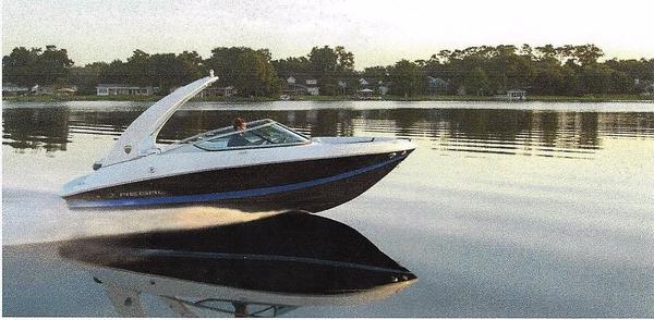 New Regal 2000 ES Bowrider Boat For Sale