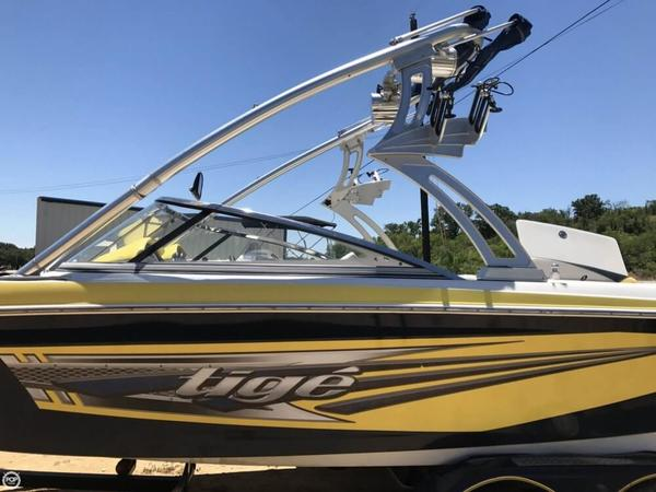 Used Tige RZ 2 Ski and Wakeboard Boat For Sale