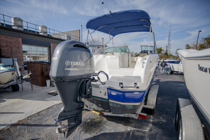 Used Nauticstar 243DC Sport Deck Boat For Sale