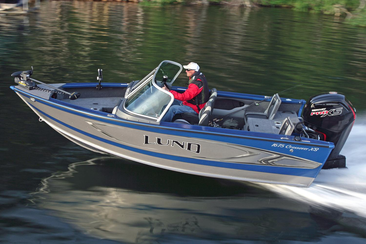 2017 New Lund 1675 Crossover XS Ski and Fish Boat For Sale