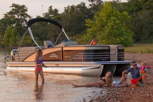 New Lowe Infinity 250 RFL Pontoon Boat For Sale